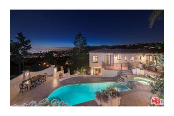 Overlooking Hollywood And The City Lights Sits This Striking 1920 S